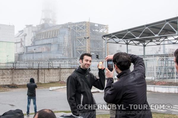 Группа Чернобыль-ТУР у саркофага